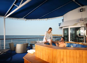 ©Yacht-Isabela-II-Hot-Tub-