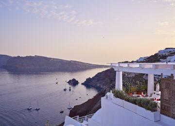 Mikrasia Restaurant ©Katikies Santorini