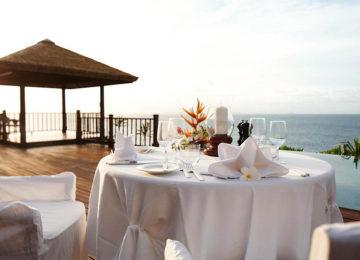 11Kulinarik_Fregate_sunset_dinnertable©Fregate Island