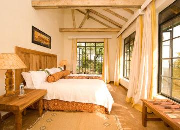 1_Clouds Room©The Uganda Safari Company