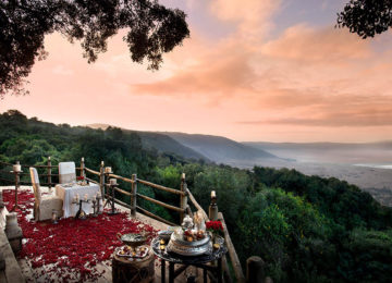 2 Ngorongoro-Crater-Lodge_Luxus_Safari©andBeyond