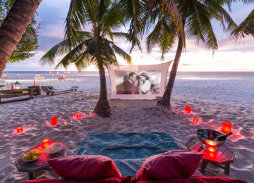 2Movie_Night_NorthIsland©Wilderness Safaris_Austen Johnston