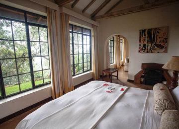 3_Clouds Room©The Uganda Safari Company