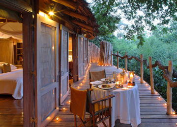 5 Manyara Tree Lodge_LakeManyara_Luxuslodge_Baumhaus Suite©andBeyond