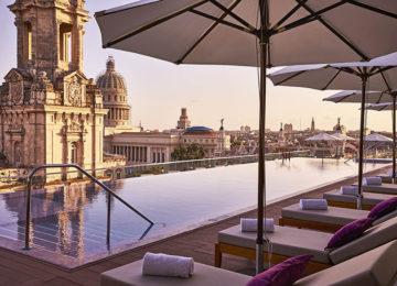 Abendstimmung in Havanna am Rooftop Pool Kempinski Grand Hotel Manzana © Kempinski Hotels