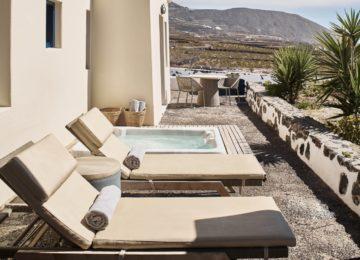 Aegean Suite©Vedema, a Luxury Collection Resort, Santorin