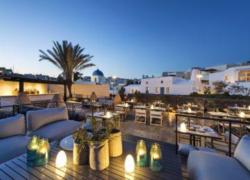 Alati Restaurant Terrasse©Vedema, a Luxury Collection Resort, Santorin