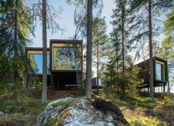 Arctic-TreeHouse-Hotel-Suites-summer