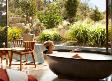 Bath© Saffire Freycinet Lodge