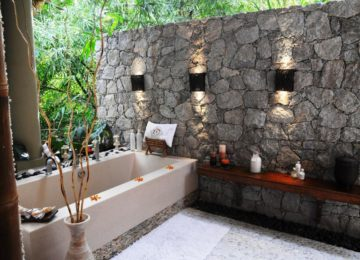 Bathroom-Villa-de-Charme©Le Domaine de L'Orangeraie Resort & Spa, La Digue, Seychellen