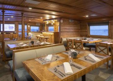 CORAL II Yacht auf Galapagos RESTAURANT