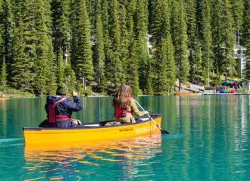 Canoeing©Moraine Lake