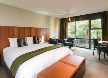 Deluxe King © Te Waonui Forsest Lodge