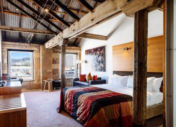 Deluxe Spa Harbour View Room©The Henry Jones Art Hotel