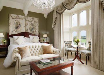 Deluxe king bedroom©Adare Manor