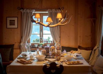 Dining©White Deer San Lorenzo Mountain Lodge