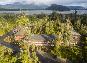 Exterior © Te Waonui Forsest Lodge