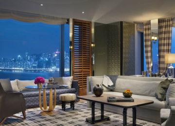 Guestroom_skyline©Rosewood_Hong_Kong_