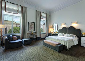 Hi_BER_88020111_RFH_Hotel_de_Rome_-_Deluxe_Room_9940_JG_Oct_17
