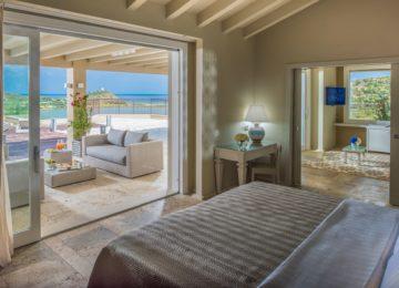 Chia Laguna Resort Sardinien_Luxury Panorama Suite_Master Bedroom