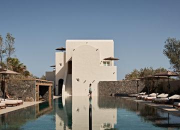 Infinity Pool©Istoria Hotel, a Member of Design Hotels, Santorin