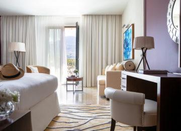 Jumeirah-Port-Soller-Rooms-Deluxe-Mountain-View-Bedroom-Bed