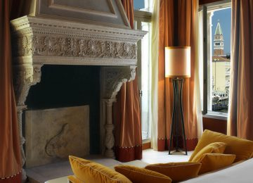 Junior-Suite-Deluxe-with-Grand-Canal-view-Venice-Centurion-Palace-5