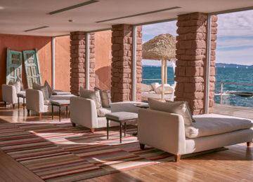 Lounge_Bar_Lake Titicaca_Titilaka_experience_luxury©Relais_Chateaux