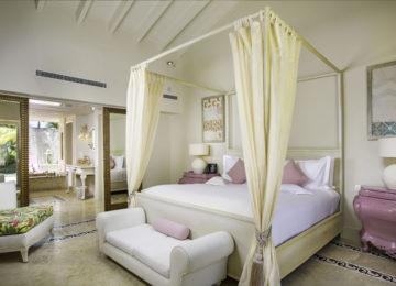 Luxury-Pool-Family-Suite_Master-Bedroom_0774-1