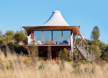 Luxury Tent ExteriorRestaurant©Longitude 131°