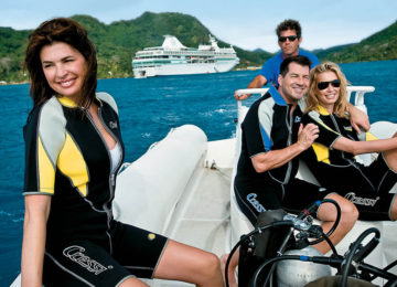 MedRes_A_Dive_boat_365