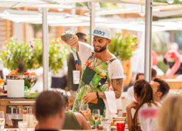 Nikki_Beach_Resort_Dubai_Barkeeper