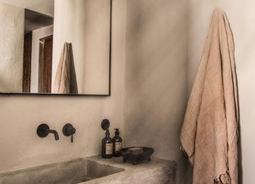 Klassisches Zimmer Badezimmer©Hotel OKU Kos