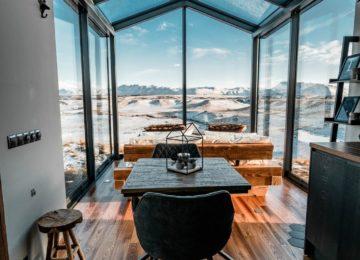 Panorama Glass Lodge Interior©Island