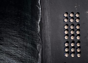 Perivolos Strand©Istoria Hotel, a Member of Design Hotels, Santorin