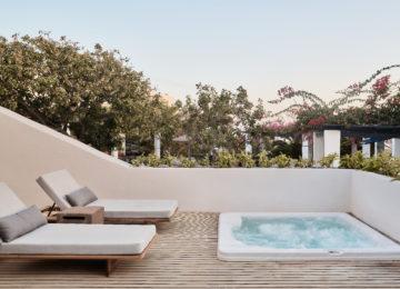 Presidential Villa Jacuzzi©Vedema, a Luxury Collection Resort, Santorin