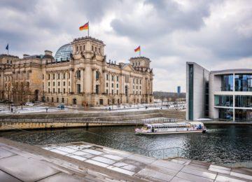 Reichstag_berlinwinter10_c_visitBerlin_Foto_Dagmar_Schwelle