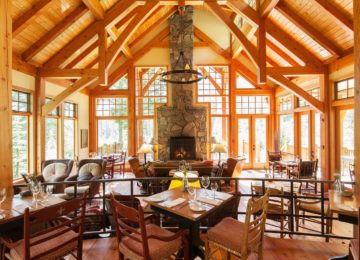 Restaurant©Cathedral Mountain Lodge