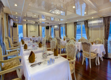 Restaurant © Signature Cruise