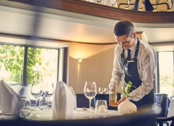 Restaurant Service©Nassauerr Hof Wiesbaden