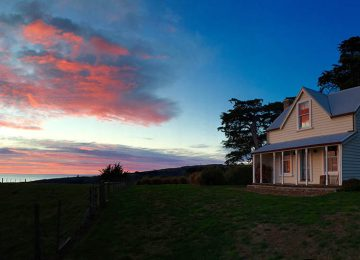 Shepherds Cottage Sunset © Annandale Hotel