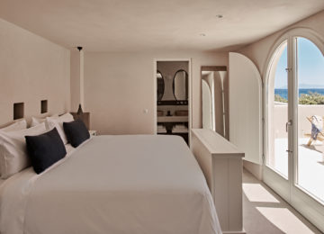 Storia Suite Schlafzimmer©Istoria Hotel, a Member of Design Hotels, Santorin