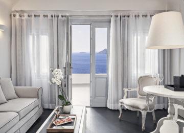 Superior Suite ©Katikies Santorini