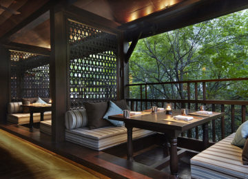 The Service 1921 Outside Seating © Anantara Chiang Mai Resort