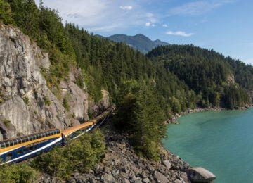 Train Exterior©GoldLeaf-Service