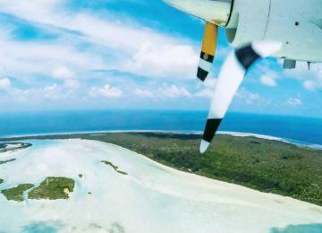 Blick aus Flugzeug auf Astove Island