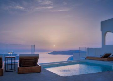 Villa Ioli mit Infinity Pool©Hommage Villa Collection, Santorin, Firostefani