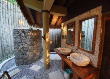Villa-de-Charme-Outdoor-bathroom©Le Domaine de L'Orangeraie Resort & Spa, La Digue, Seychellen