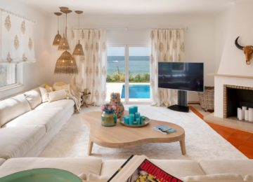 Villa Hibiscus Beach House Livingroomview