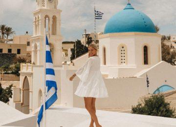 Dorf von Megalohori blaue Kuppel©Vedema, a Luxury Collection Resort, Santorin